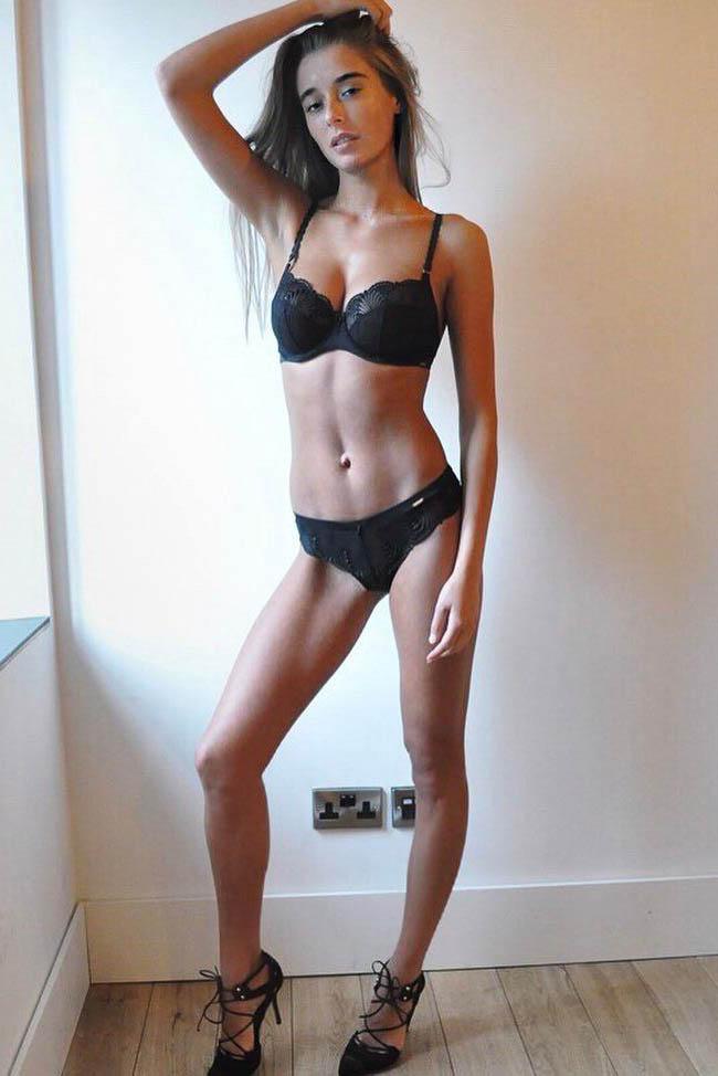 Escort model Eva