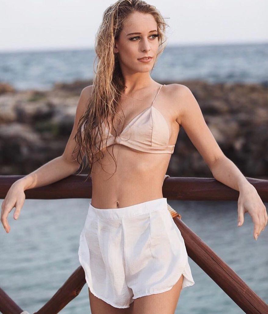 Эскорт модель Юлия