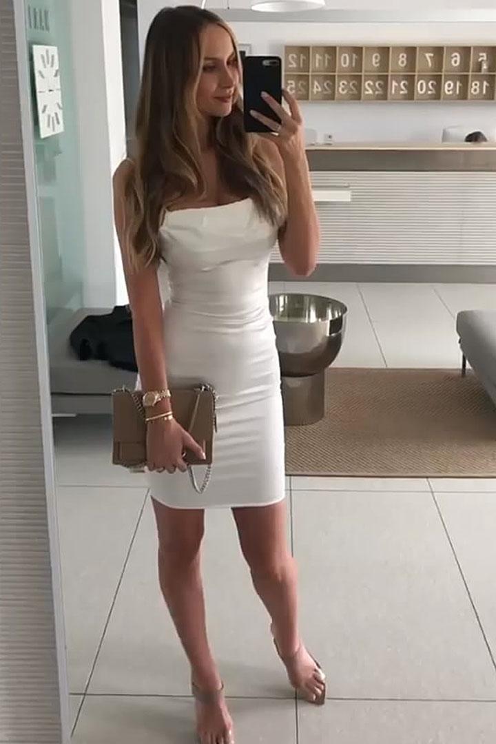 Escort model Monika