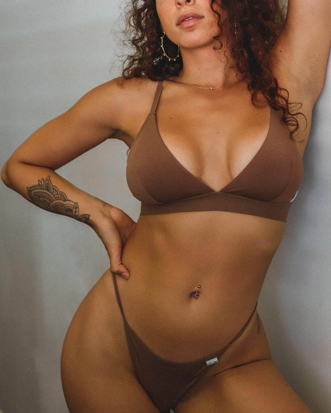Эскорт модель Айла